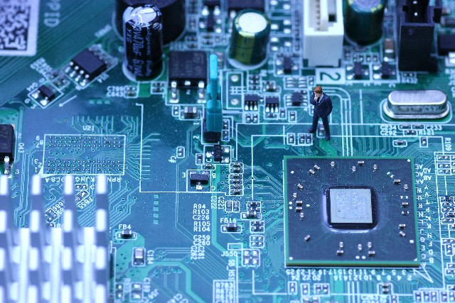 低電圧指令2006/95/ECに基づくCEマーキングのイメージ